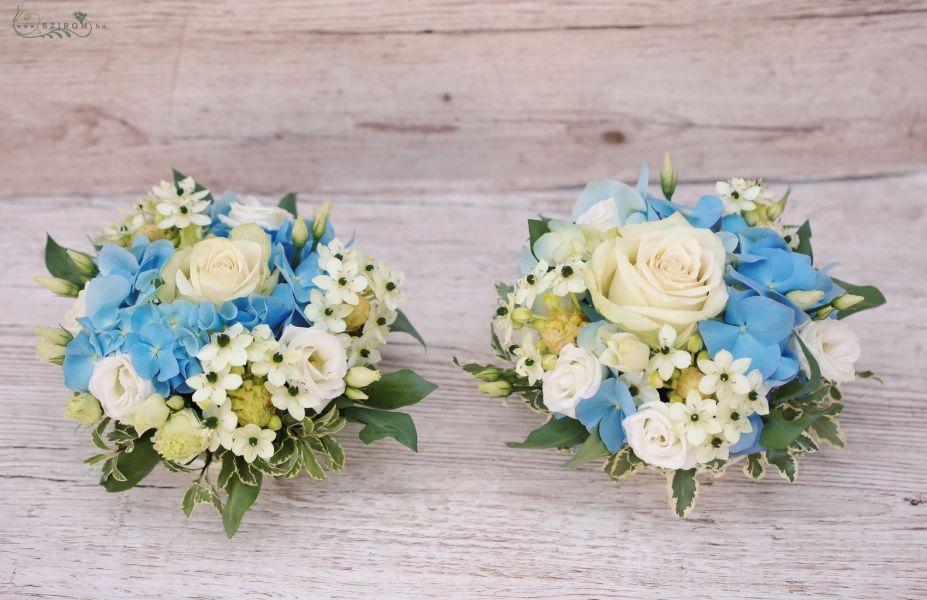 add41c7135 Esküvői asztaldísz kék hortenziával, ornithogalummal, fehér rózsával (id:  10717)