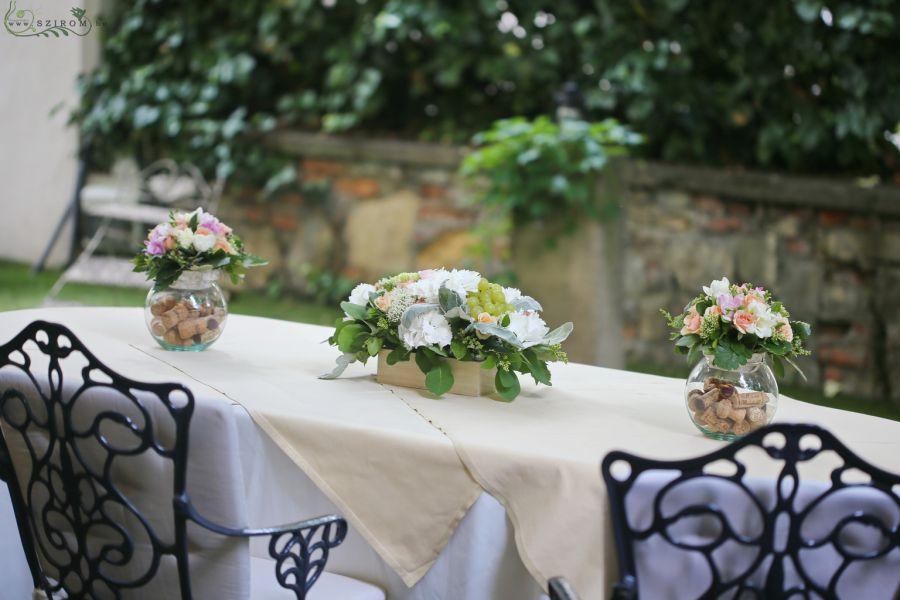 Szirom petal wedding florist budapest bridal bouquets wedding pavillon de paris budapest table decoration peach white wedding id 10728 junglespirit Image collections