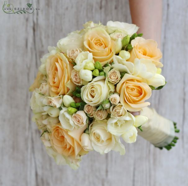 8de1935d40 Menyasszonyi csokor (rózsa, bokros rózsa, frézia, barack, krém) (id: 10785)