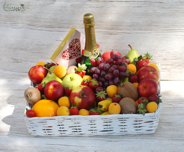 big fruit basket with champagne and chocolates - virágküldés