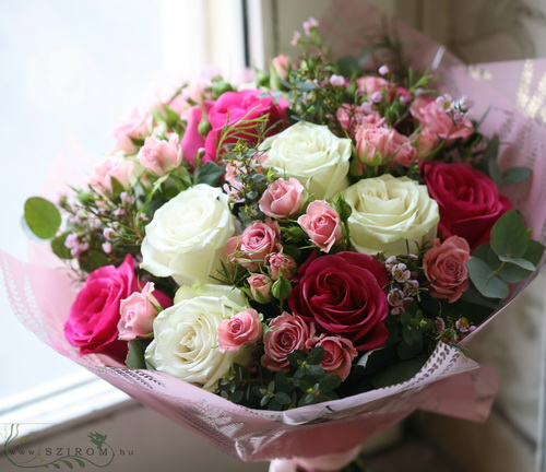 pink and white rose, spray rose bouquet (20 stems) - virágküldés