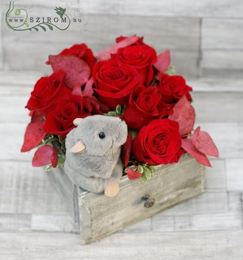 fiók egérrel (11 szál vörös rózsával) - virágküldés