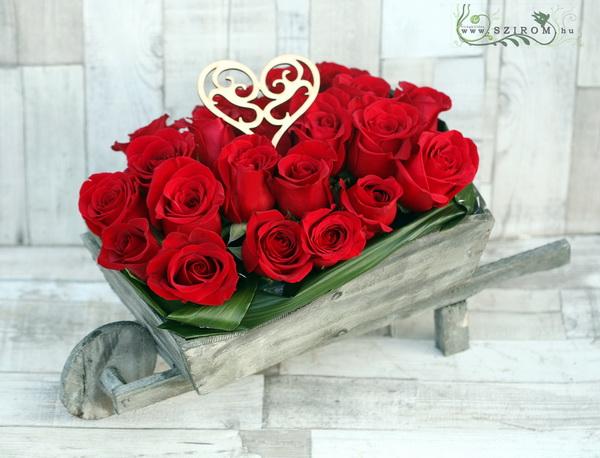 Egy talicskányi vörös rózsa (45 cm, 21 szál) - virágküldés