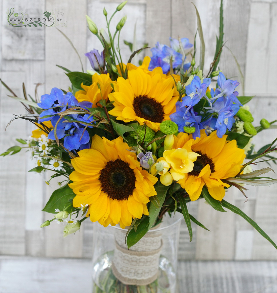 Bridal bouquet with sunflower (sunflower, delphinium, freesia, lisianthus, yellow, blue)