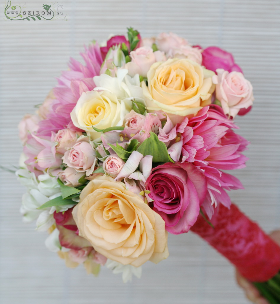 Bridal bouquet with dalias and roses. (pink, peach)