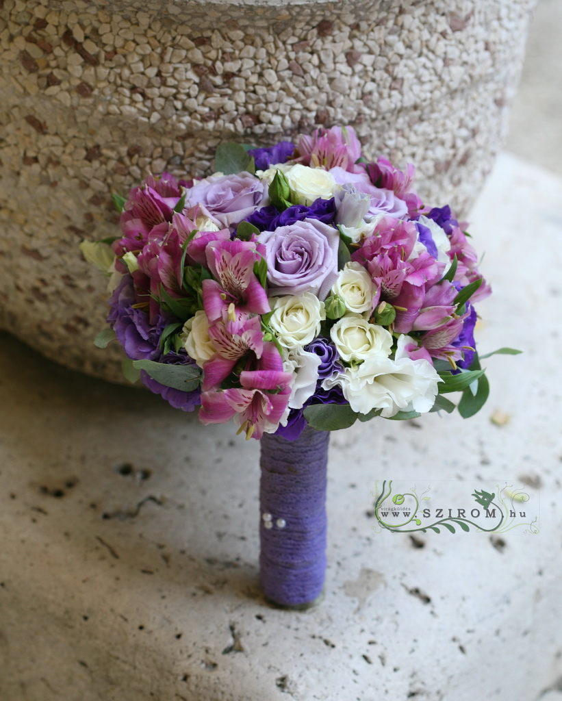 Bridal bouquet purple cream (rose, bushy rose, liziantus, alstromyme)