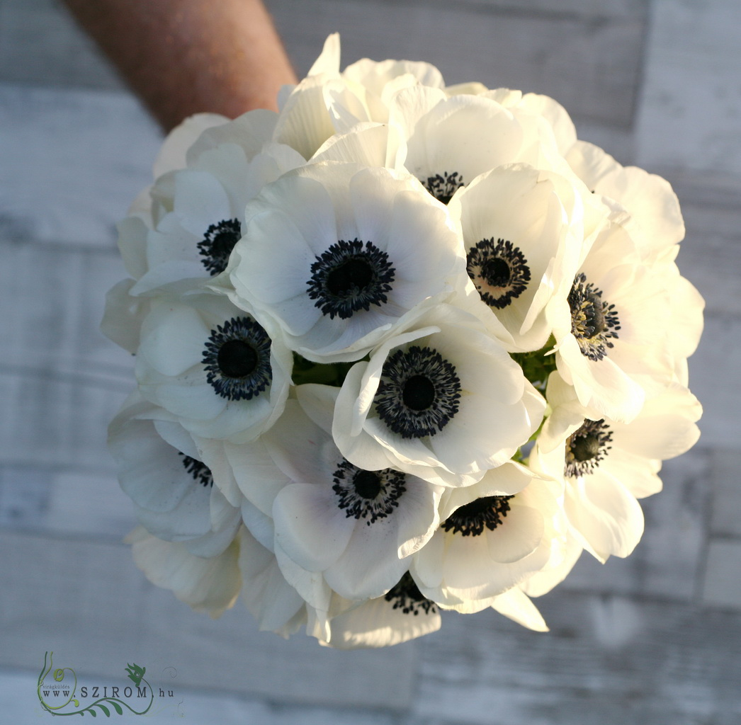 Bridal bouquet of anemone (white)