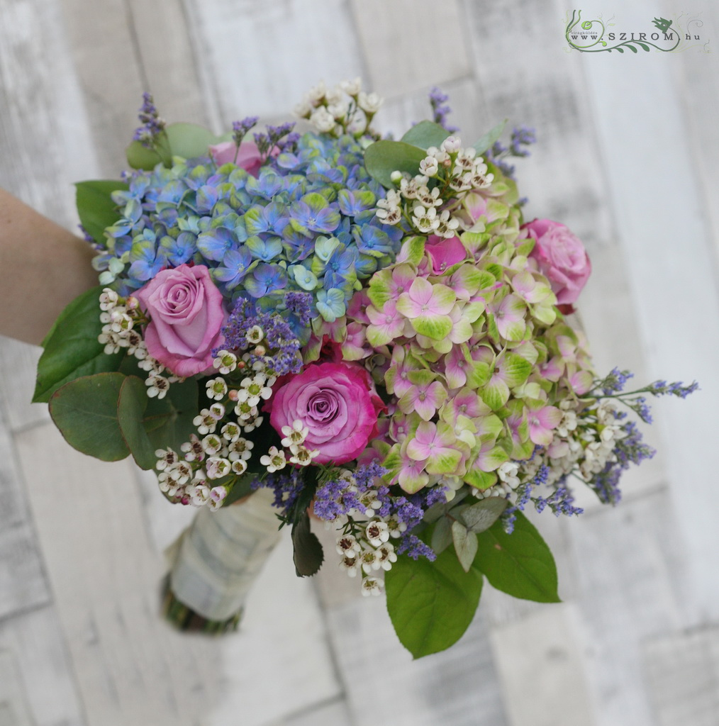 Bridal bouquet with picasso hydrangeas (blue, pink)