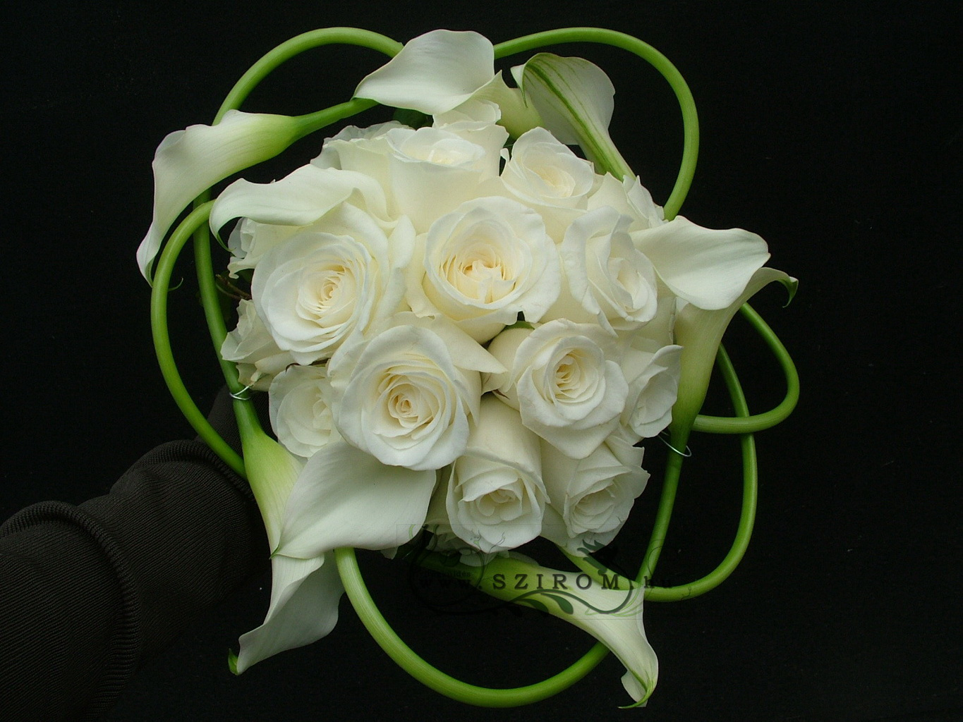 Bridal bouquet of callas and roses (white)