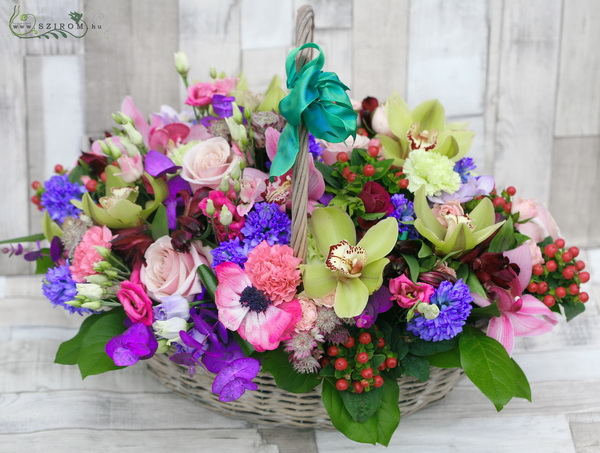 Vibrant colors, 65 stems of flowers in basket - virágküldés