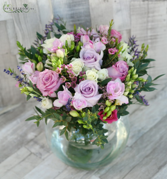 Big glass ball with vintage bouquet (24 stems) - virágküldés