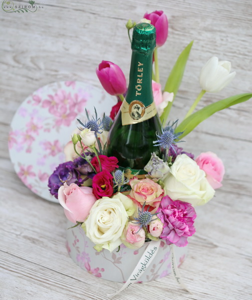 New years flower box with champagne - virágküldés