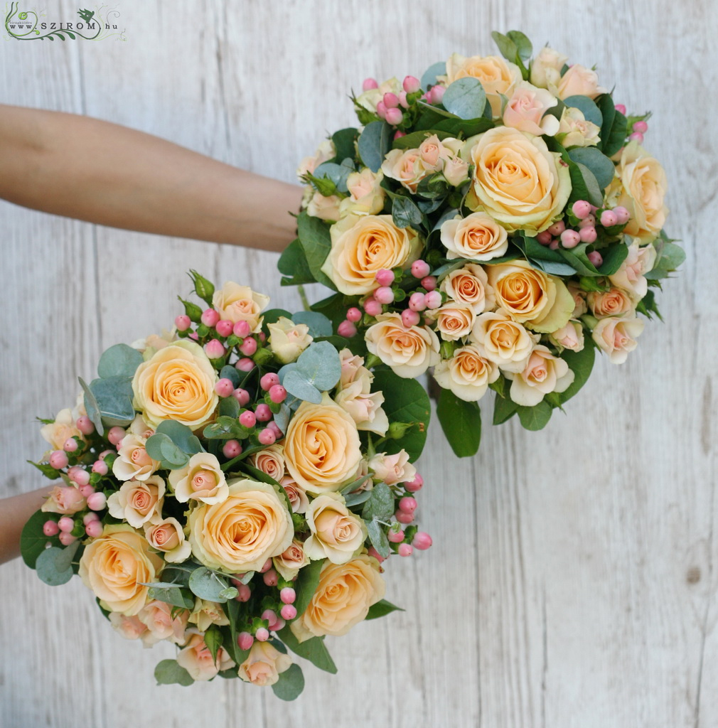 bridal bouquet (roses, spray roses, hypericum, peach)