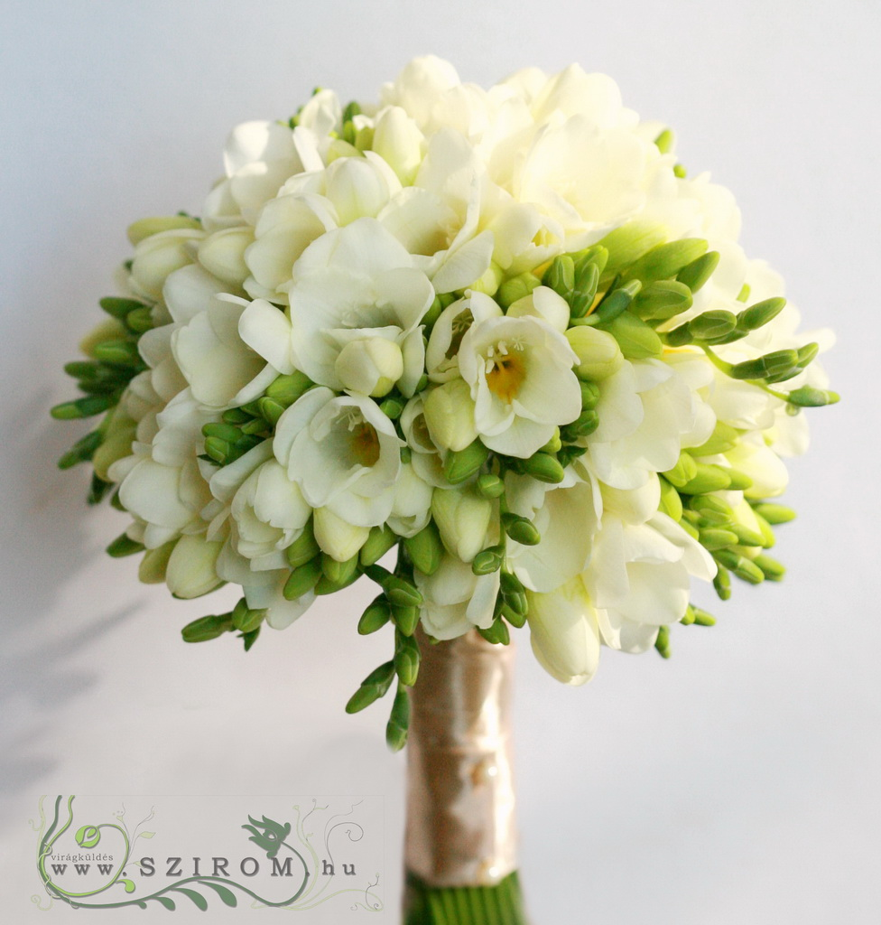 bridal bouquet (freesia, white)