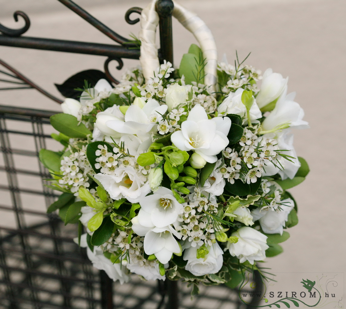 bridal bouquet (sphere, wax, s.pray rose, freesia, white)