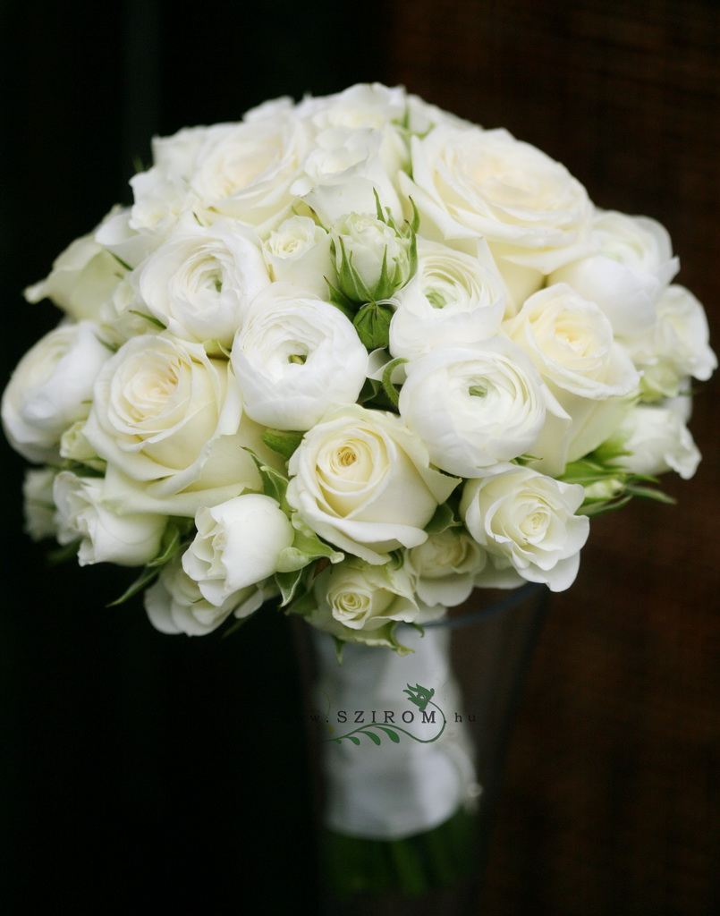 bridal bouquet (rose, spray rose, buttercup, white)