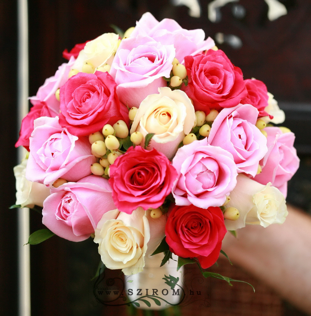 bridal bouquet (rose, hypericum, pink, cream)