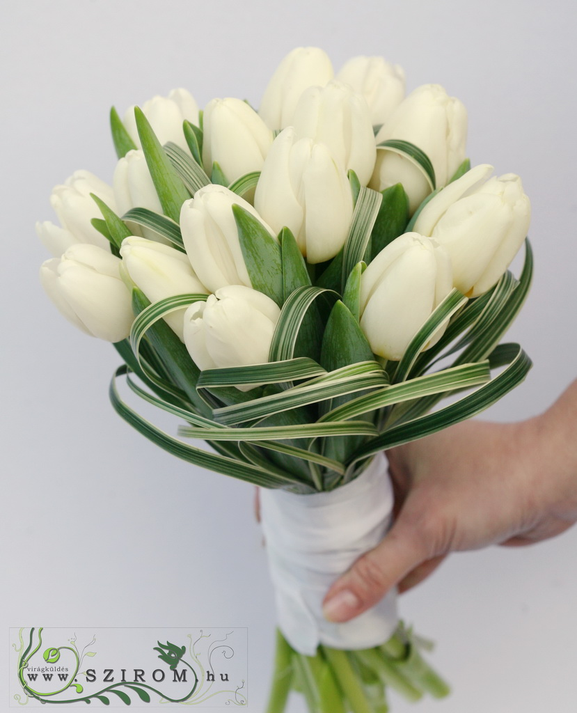 bridal bouquet (tulips, white)